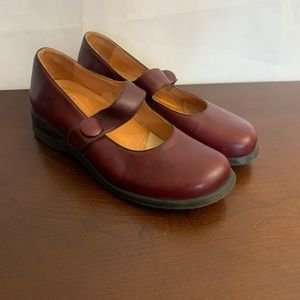 Murtosa Leather Burgundy Mary Janes Shoes Sz. 9